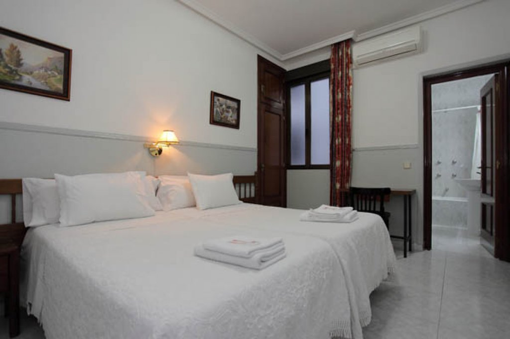 Hostal Dulcinea - Madrid Hostel