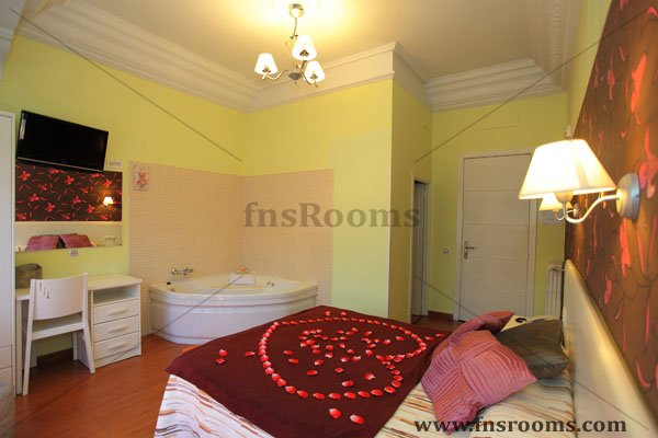 Hostal en Gran Via Madrid - HOSTAL GRAN VIA 63