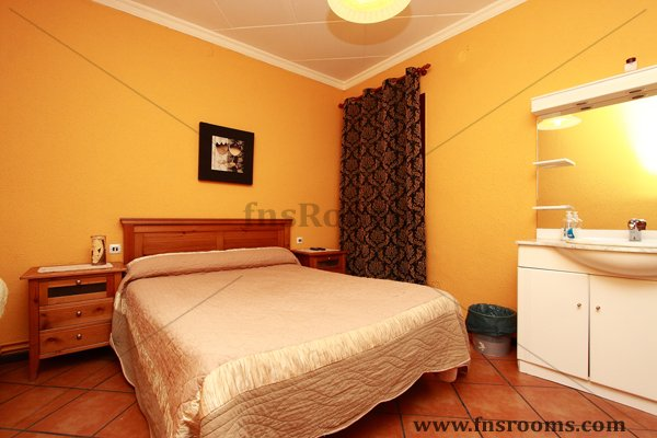 Los Martinez Guesthouse in Sabadell, Barcelona - Guesthouse in Sabadell - Cheap Guesthouse Sabadell, Barcelona