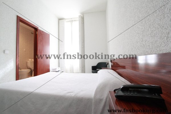 hostal americano en madrid: