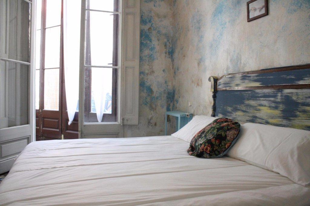 Bed & Art Hostel