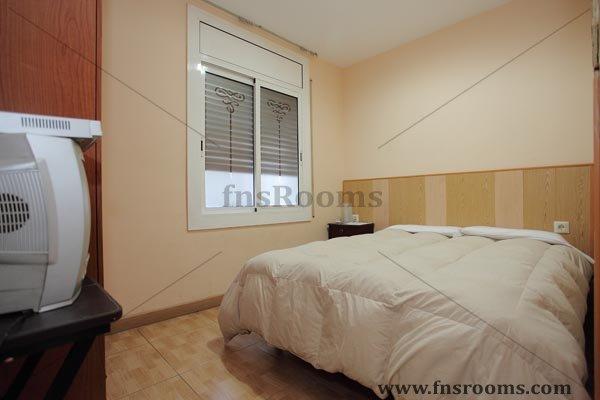 Hostal antonio moreno alojamiento barato en barcelona for Hoteles muy baratos en barcelona