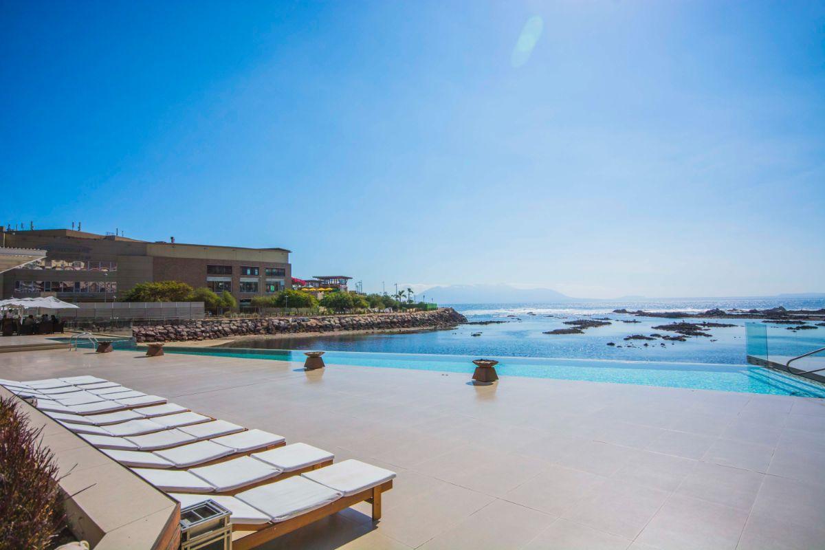 Suites Antofagasta. Piscina