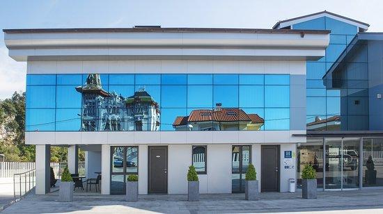 Hotel Villa Rosario II, Edificio Moderno