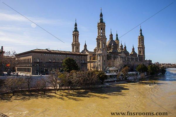 Pensión Santa Gema Zaragoza