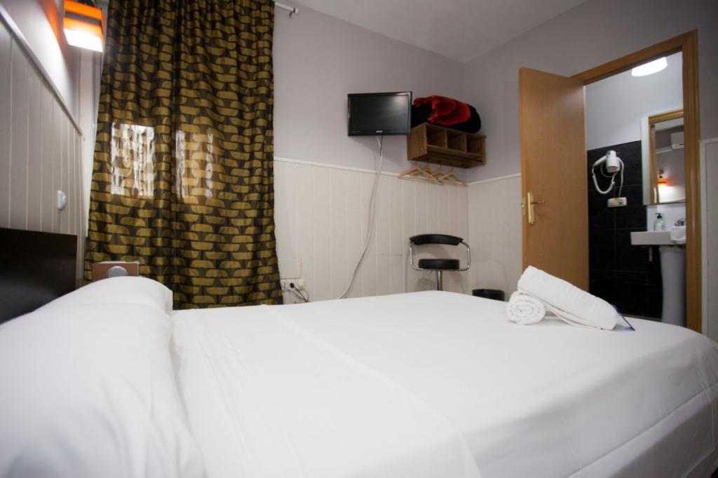 3 - Hostal Oxum Madrid