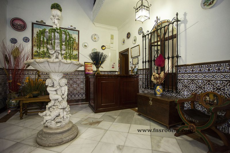 Trajano Hostel Seville