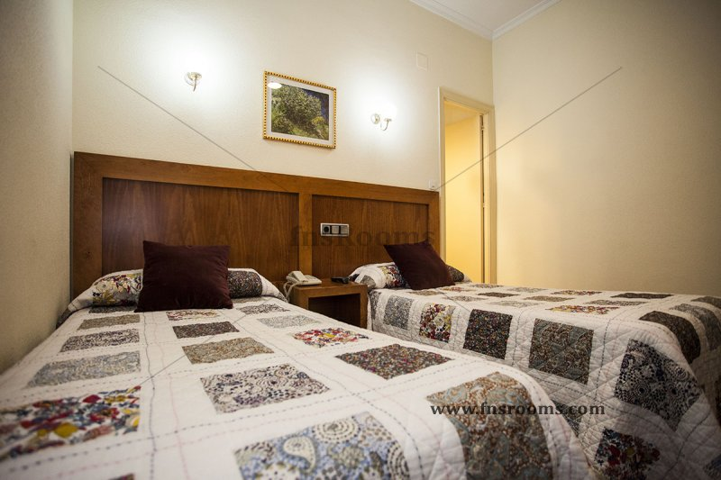1614-hostal-greco-madrid-2014-abril-25.jpg