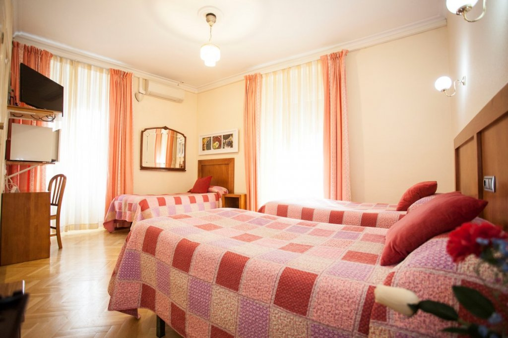 1614-hostal-greco-madrid-2016-17.jpg