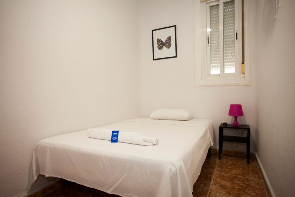Hostel Enebral - Cheap Hostel in Fuencarral Madrid