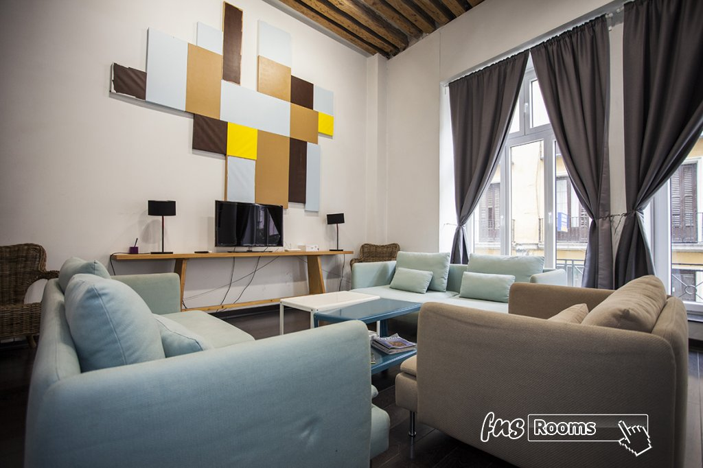 1773-1487265124_apartamentos-village-tours-madrid-carretas-2-11.jpg