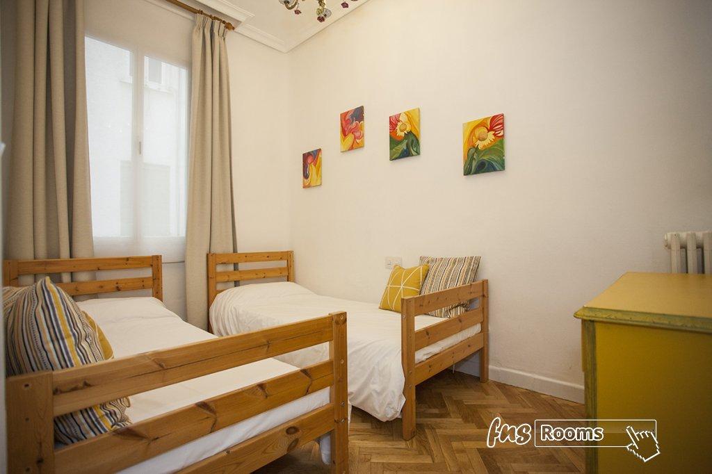 1805-1487265830_apartamento-imagine-i-madrid-2.jpg