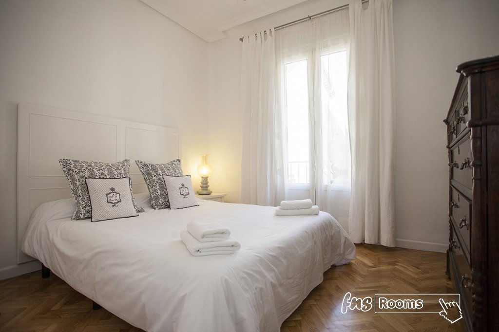 1805-1487265838_apartamento-imagine-i-madrid-12.jpg