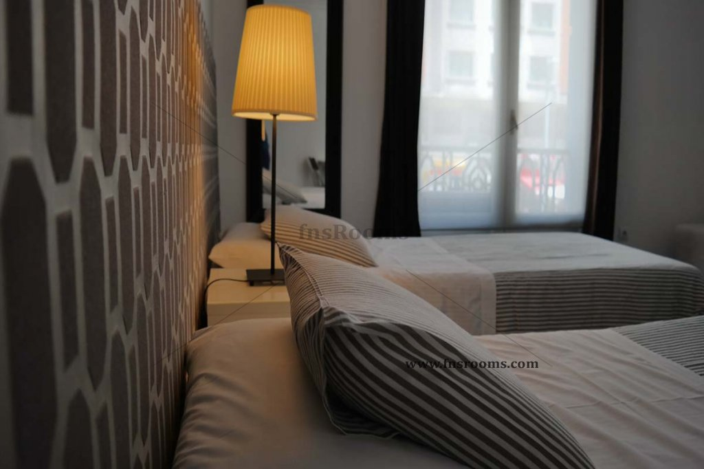 9 - Apartamentos Room Gran Via Madrid