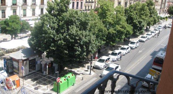 3 - Apartamentos Medina Reyes Católicos