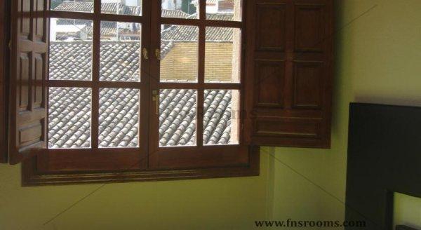 9 - Apartamentos Medina Reyes Católicos