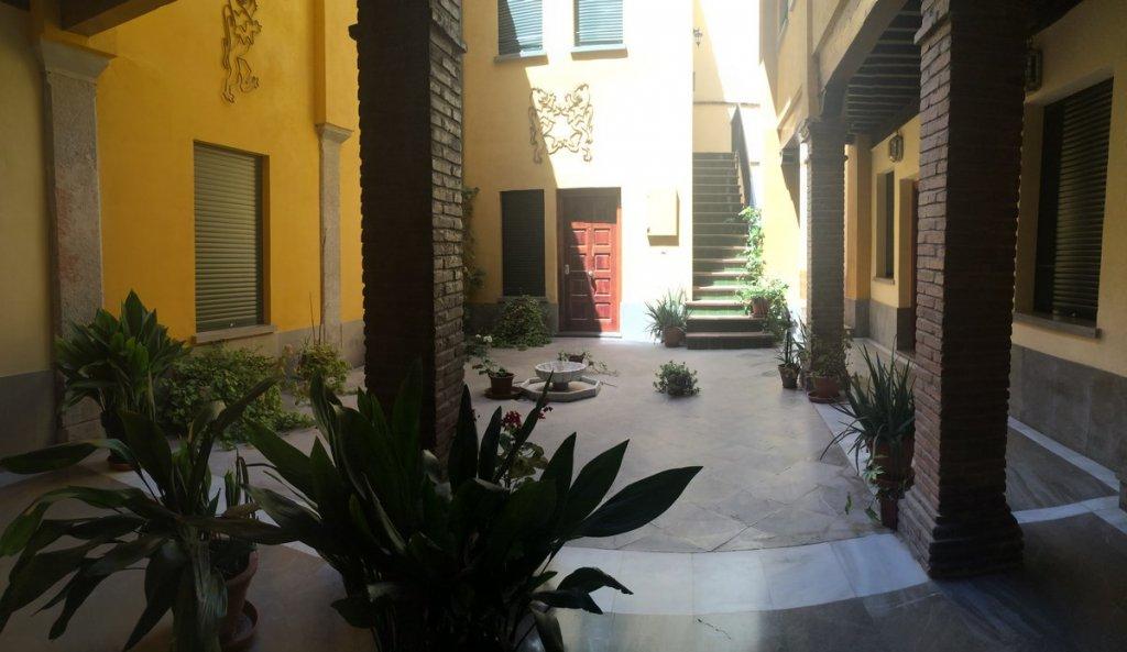 27 - Apartamentos Puerta Real