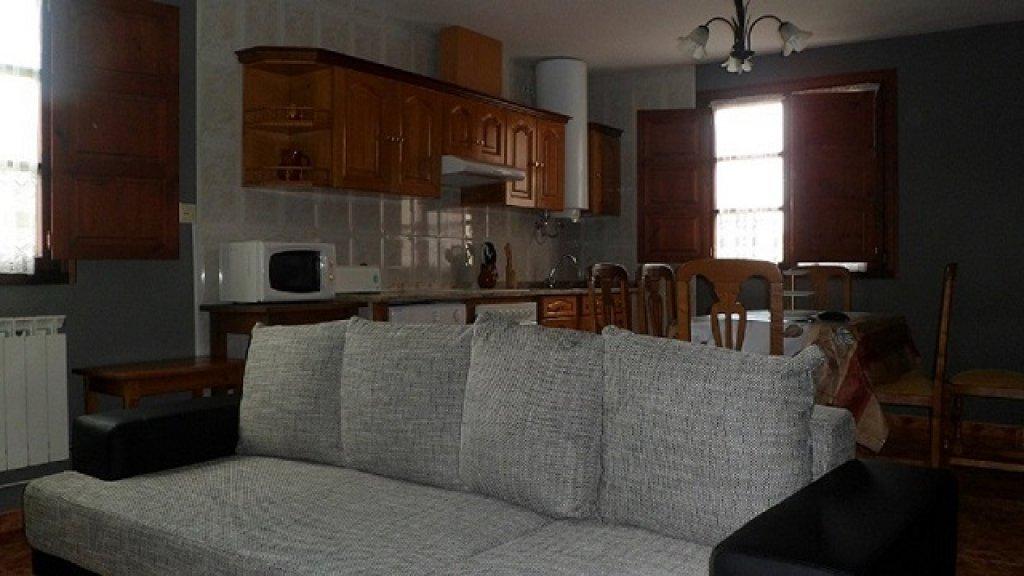 353-1484821078_apartamento-2-cocina-salon-2.jpg