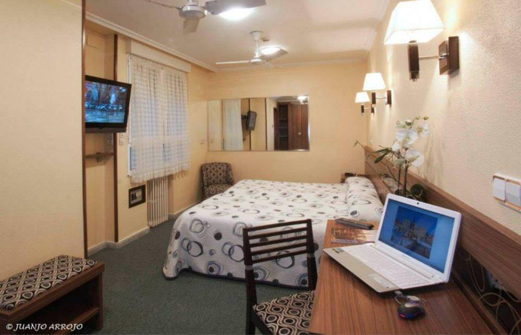3707-hotelcastilla9.jpg