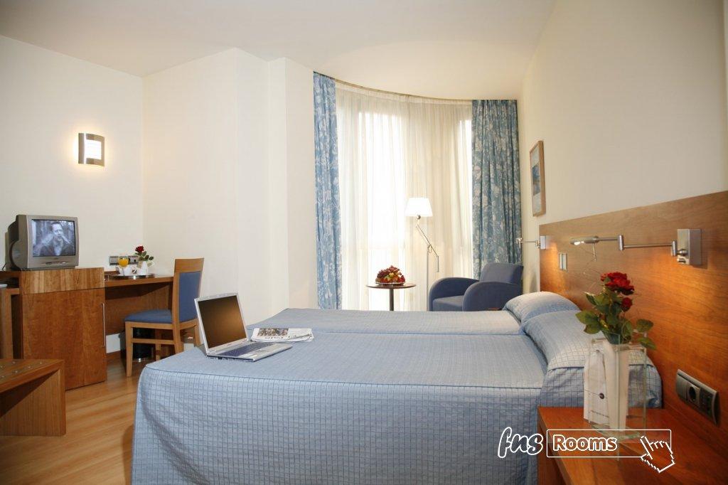 10 - Hotel Mieres del Camino