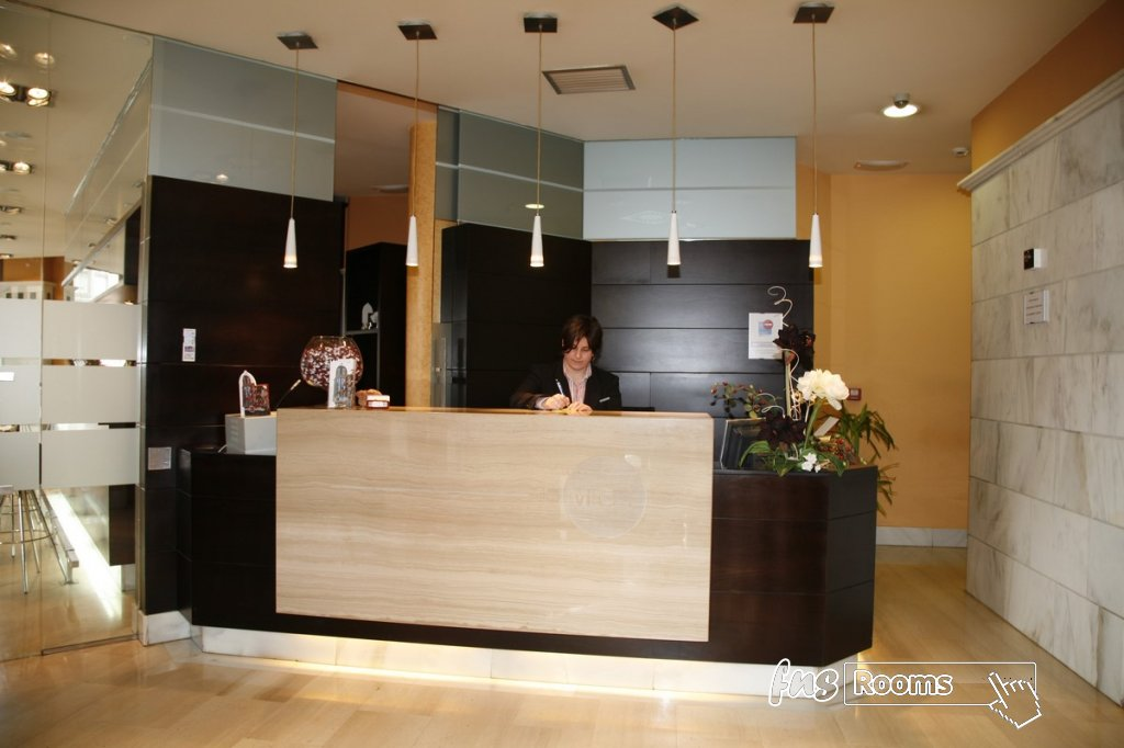 17 - Hotel Mieres del Camino