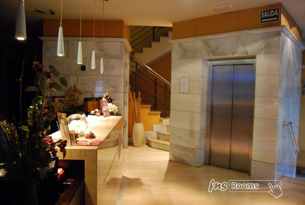 18 - Hotel Mieres del Camino