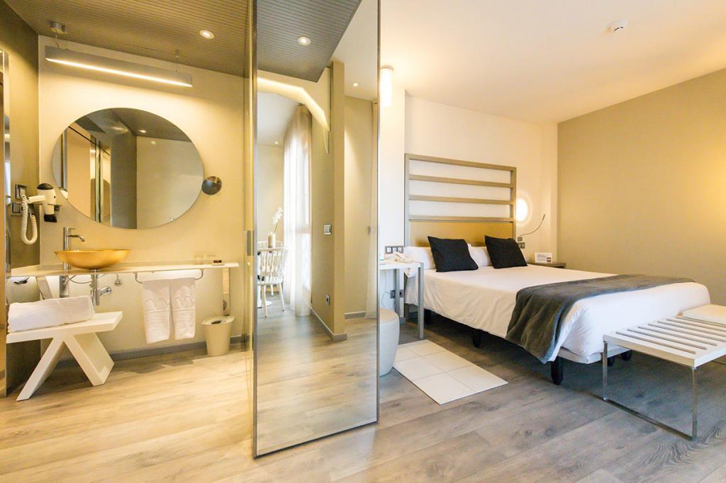 Suite (Matrimonial) (Permite doble + cama supletoria)