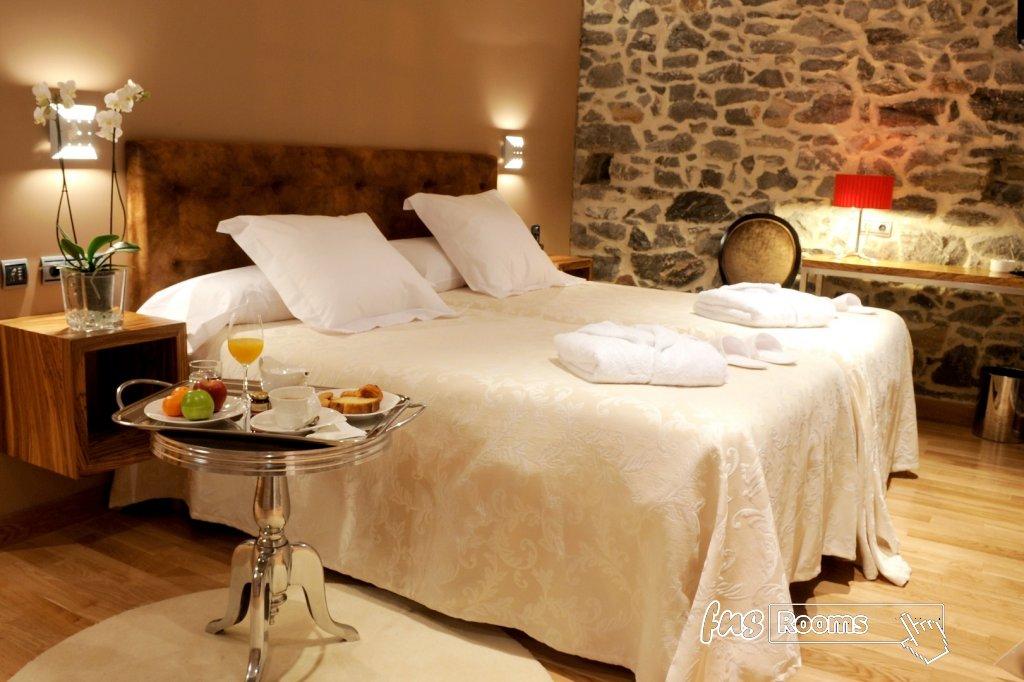 3791-1486723866_01-habitacion-antiguo-casino-hotel-boutique-con-encanto-pravia-asturias.jpg