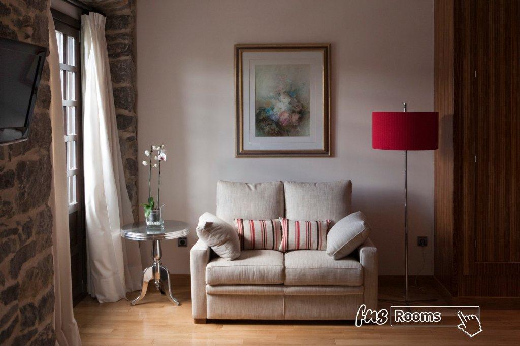 3791-1486723880_02-habitacion-antiguo-casino-hotel-boutique-con-encanto-pravia-asturias.jpg