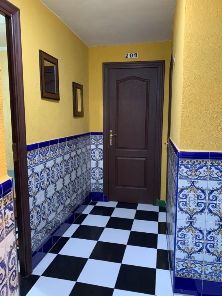 Lisdos Gallery