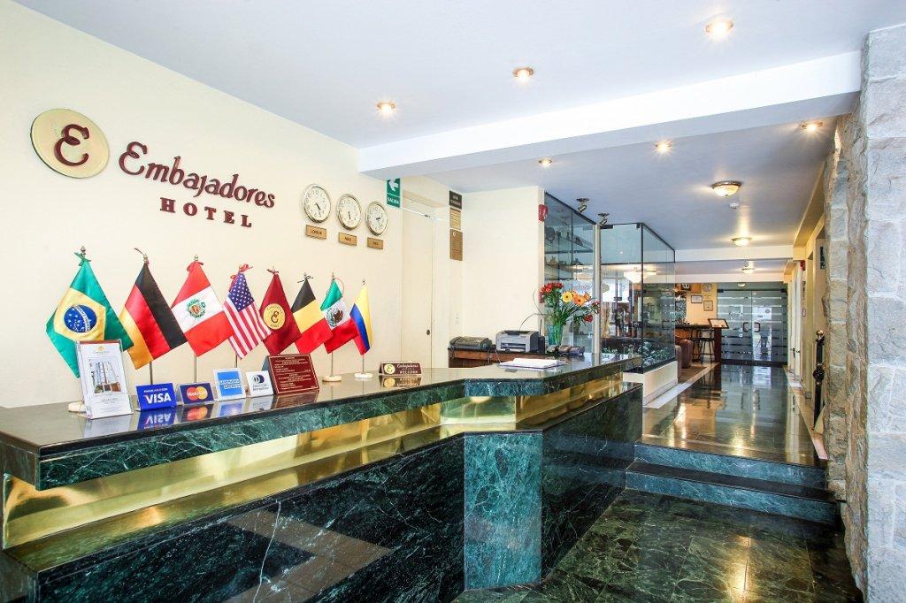 5156-lobby.jpg