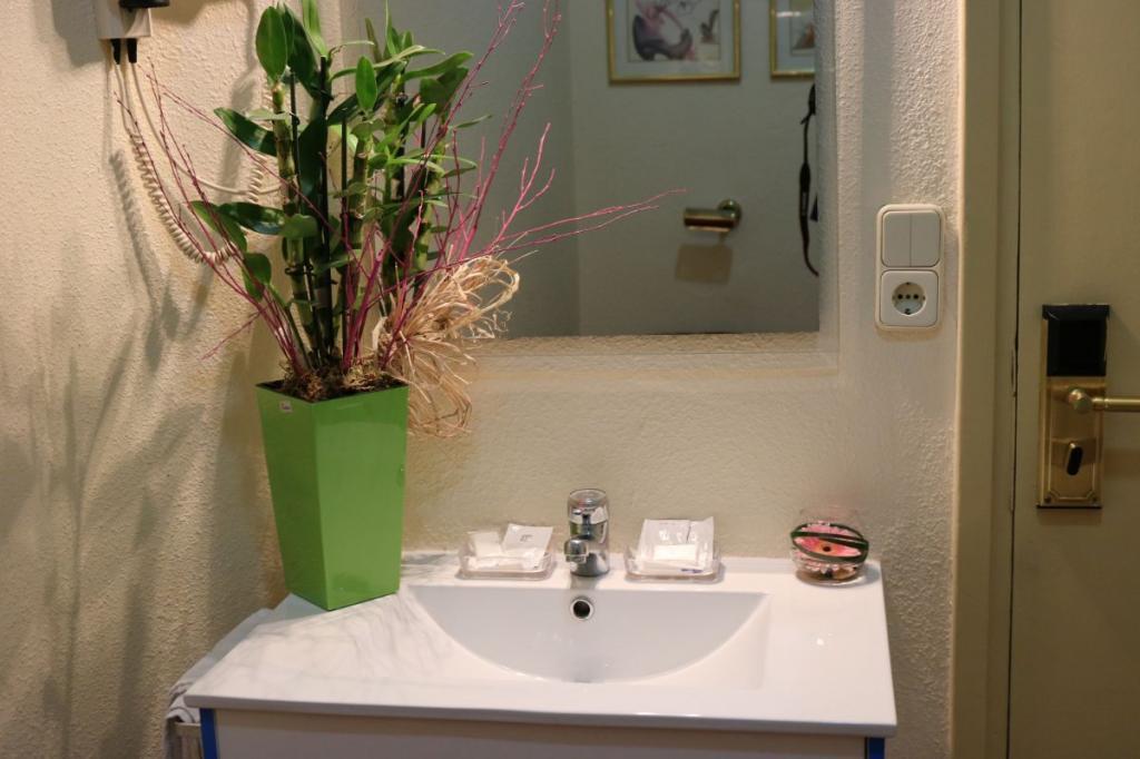52-1593434963_individual-con-lavabo-a.jpg.jpg