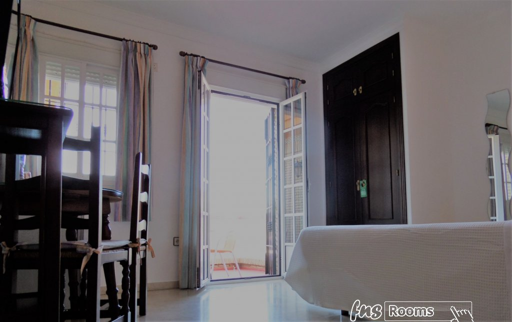 5994-1551543891_hostal-victoria-dormitorio-2.jpg.jpg