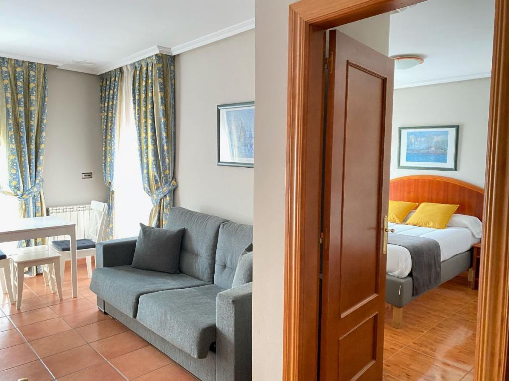 6171-1608488948_zona-sofa.jpg.jpg