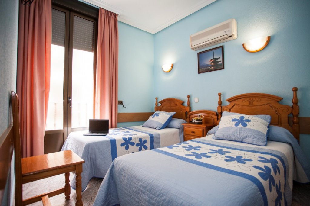 18 - Hostal Bermejo Madrid