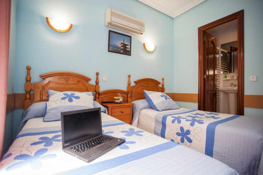 19 - Hostal Bermejo Madrid