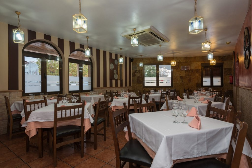 6758-1482403137_restaurante-cafeteria-la-barca-1.jpg