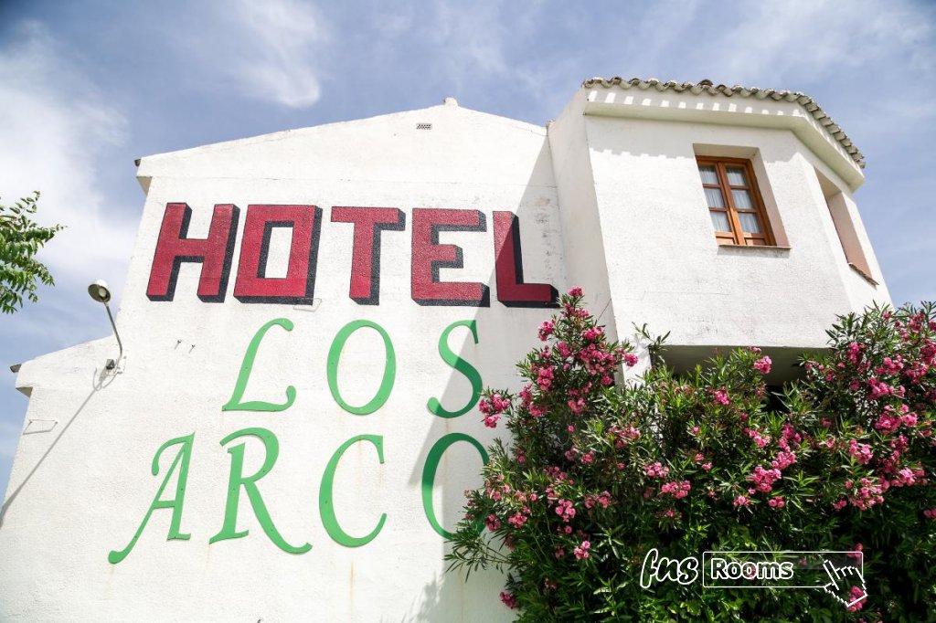 6 - Hotel Restaurante Los Arcos