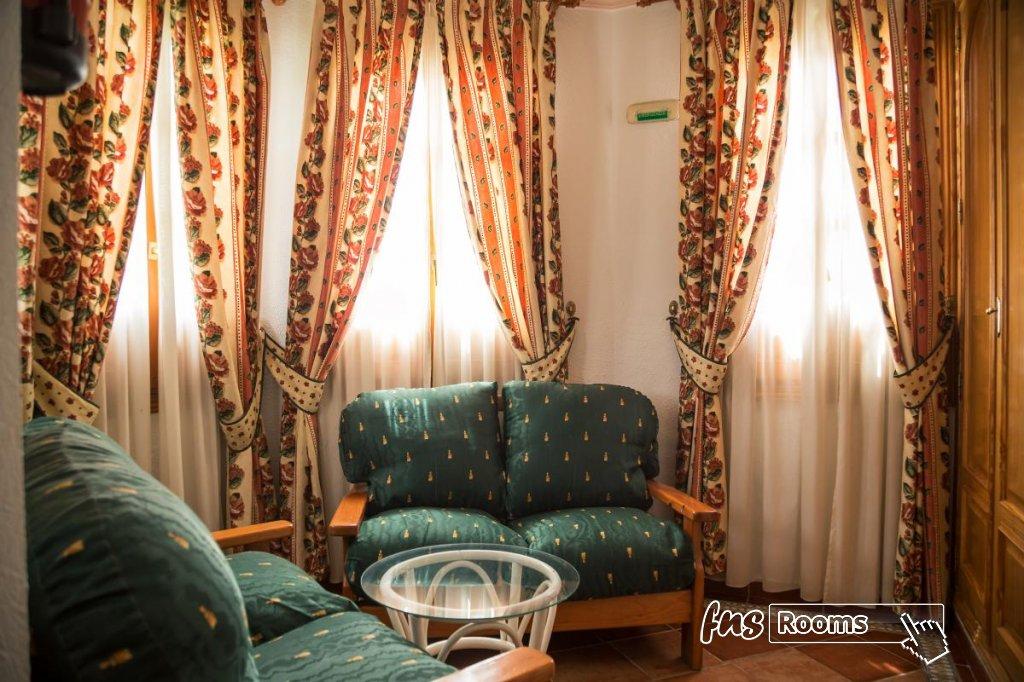 10 - Hotel Restaurante Los Arcos