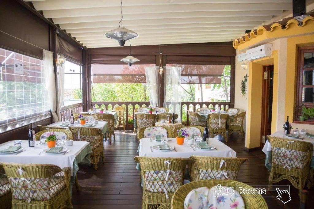 22 - Hotel Restaurante Los Arcos