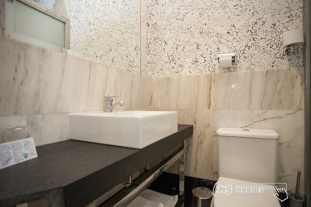 Hostal Alhambra Suites*** - Hostal centro Madrid