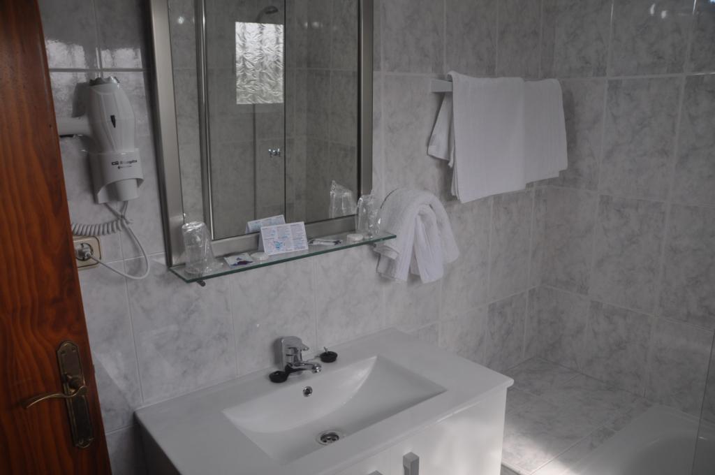 6848-1582454007_foto-habitaciones1-015.jpg.jpg