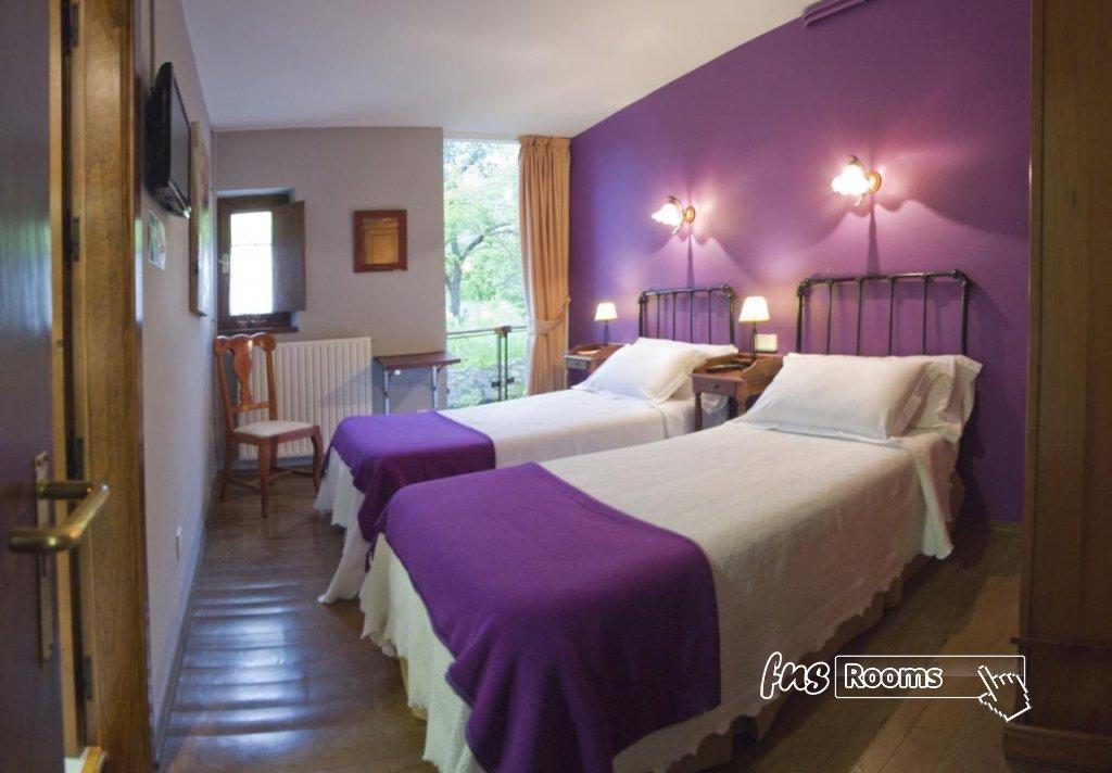Hotel Castillo Valdes