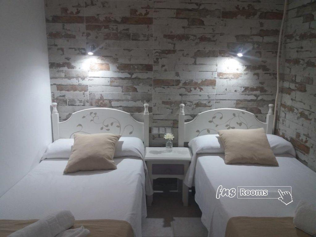 Doble 2 camas. Baño compartido
