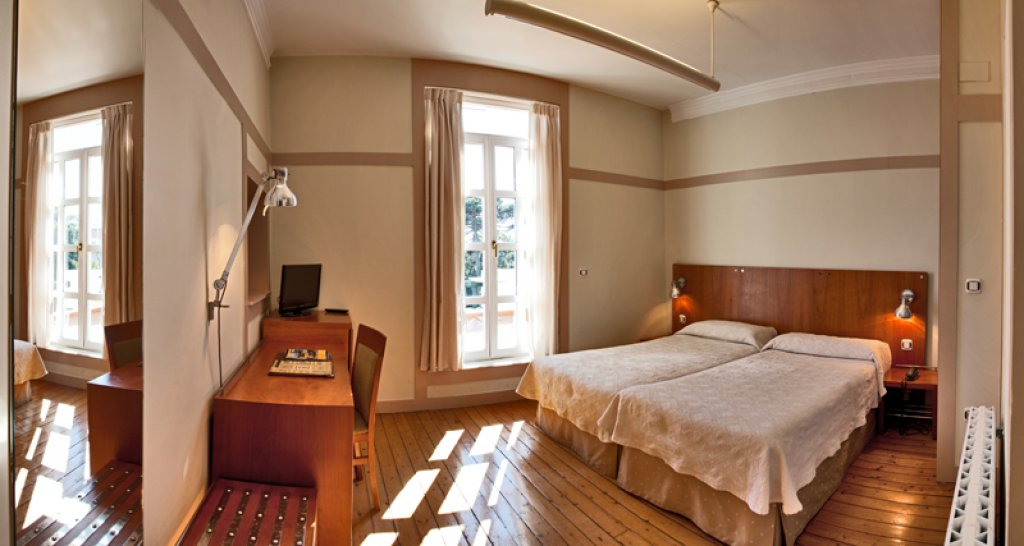 Hotel Escuela las Carolinas Santander