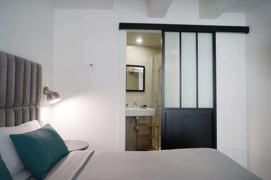 6913-1581177682_md-design-hotel-portal-del-real-13-1.jpg.jpg
