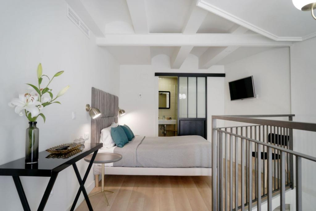 6913-1581177683_md-design-hotel-portal-del-real-12-1.jpg.jpg