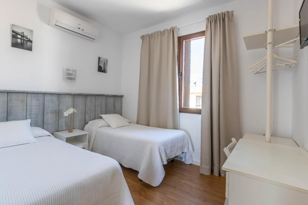 Doble 2 camas. Baño privado