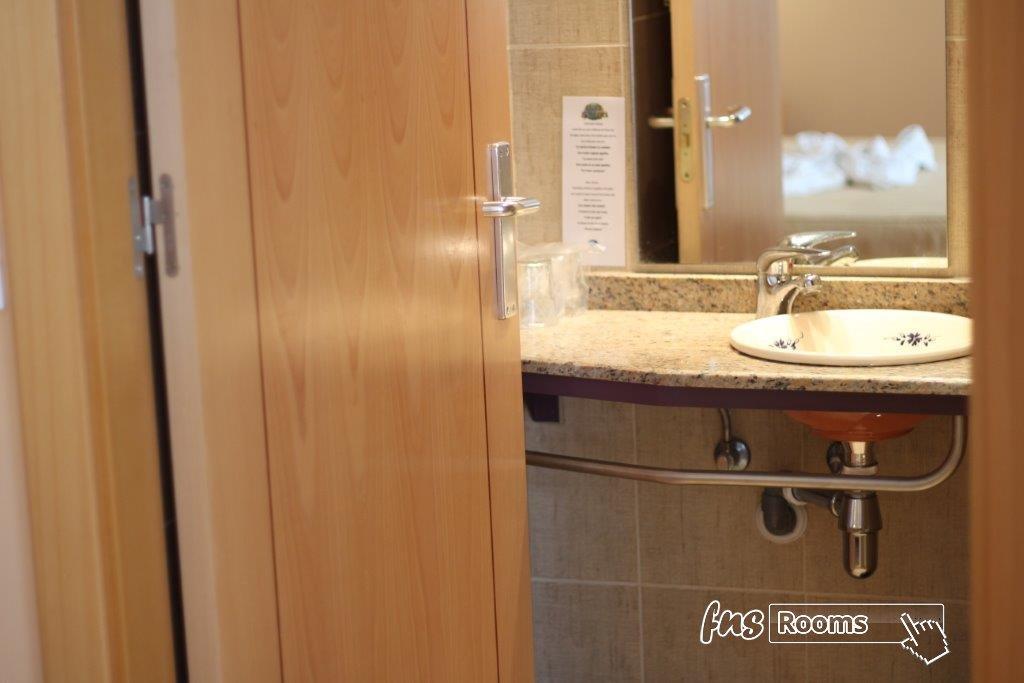Habitación individual. Baño privado