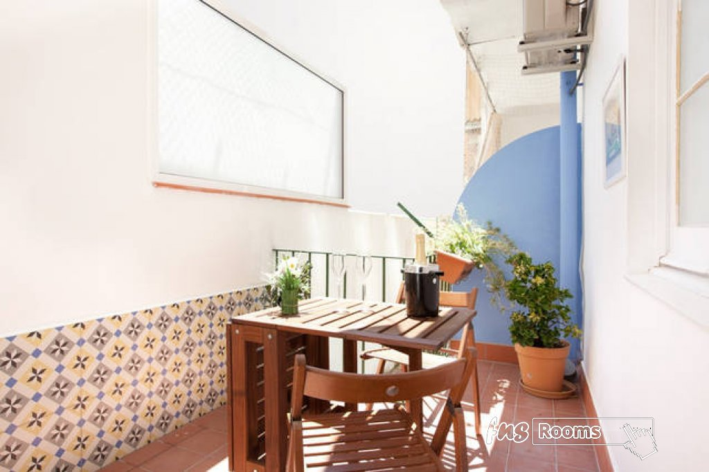 centric apartment molino P1